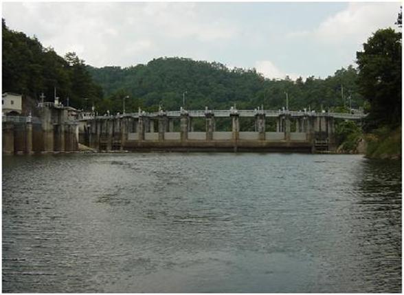 三成ダム2014(企業局)平成26年度ダム管理演習を行いました。
